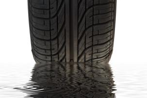 10 věcí, které se vám velmi pravděpodobně stanou, pokud si i na léto necháte zimní pneumatiky