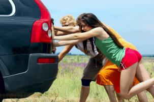 7 tipů, jak bez problémů vyřešit nehodu na dovolené v zahraničí